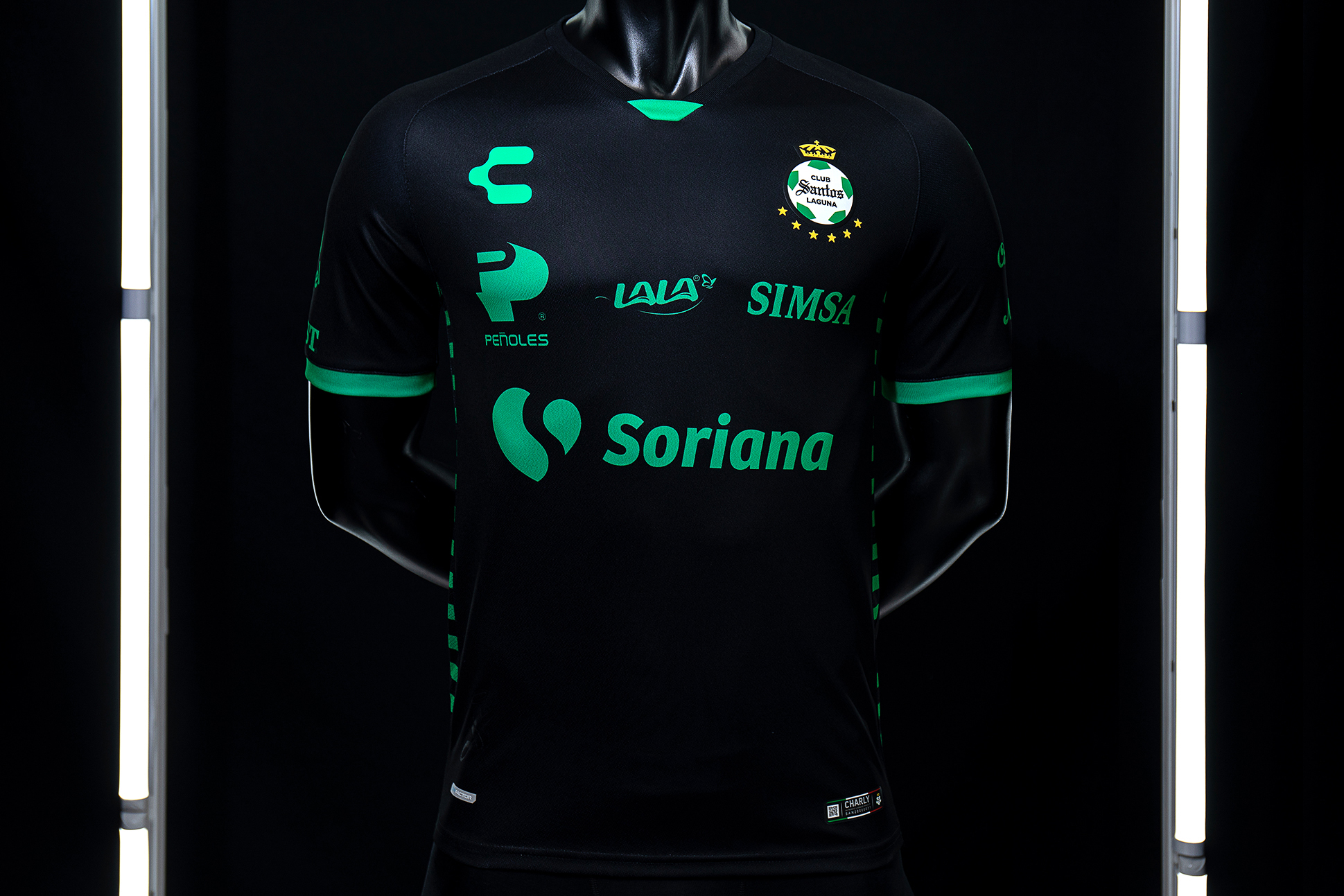 Club Santos and Charly unveil 2020/2021 jersey on sale now